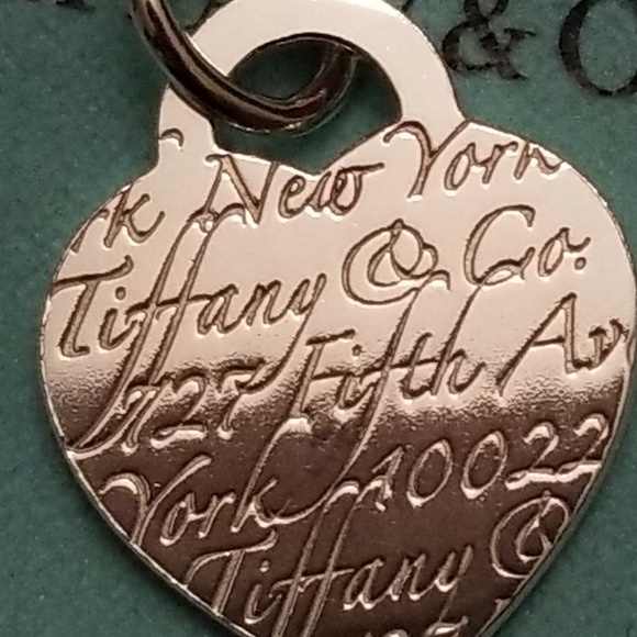 4e889af827921 RETIRED Tiffany & Co Fifth Ave NOTES necklace